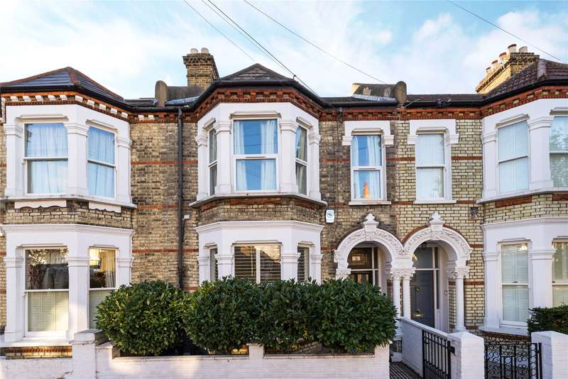 2 Bedrooms Flat for sale in Amner Road, London, SW11