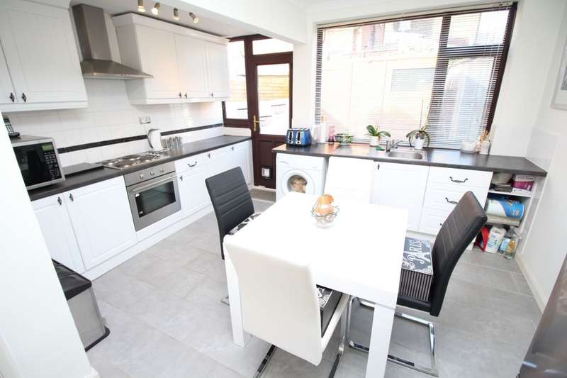 3 Bedrooms Semi Detached House for sale in Hereson Road, Ramsgate, CT11