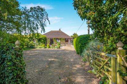3 Bedrooms Bungalow for sale in Croppers Lane, Freiston, Boston