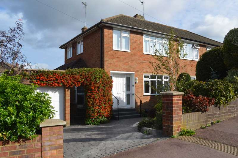 3 Bedrooms Semi Detached House for sale in Manor Road, Wendover