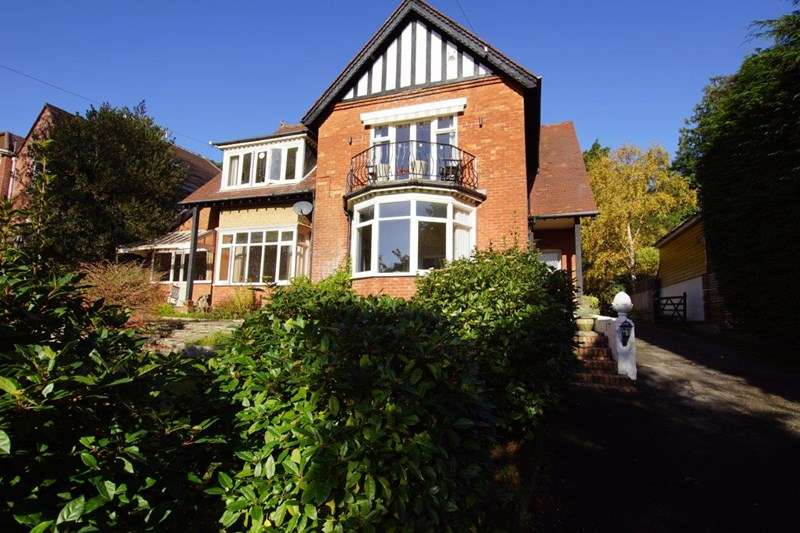 4 Bedrooms Flat for sale in Glengariff Road, Lower Parkstone, Poole