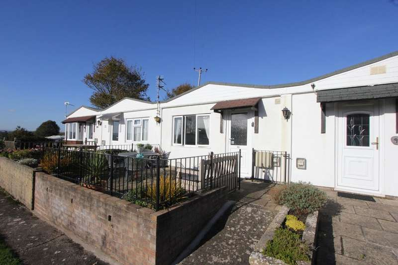 2 Bedrooms Terraced Bungalow for sale in Galmpton Holiday Bungalows, Greenway Road