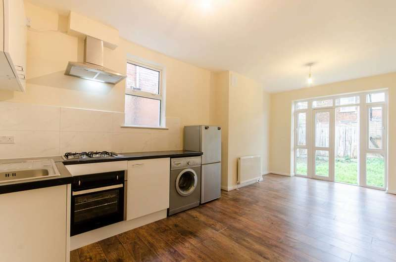 2 Bedrooms Flat for sale in Rucklidge Avenue, Willesden, NW10