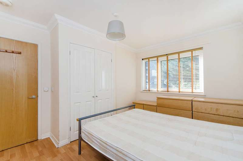 2 Bedrooms Flat for sale in Twyford Abbey Road, Hanger Hill, NW10