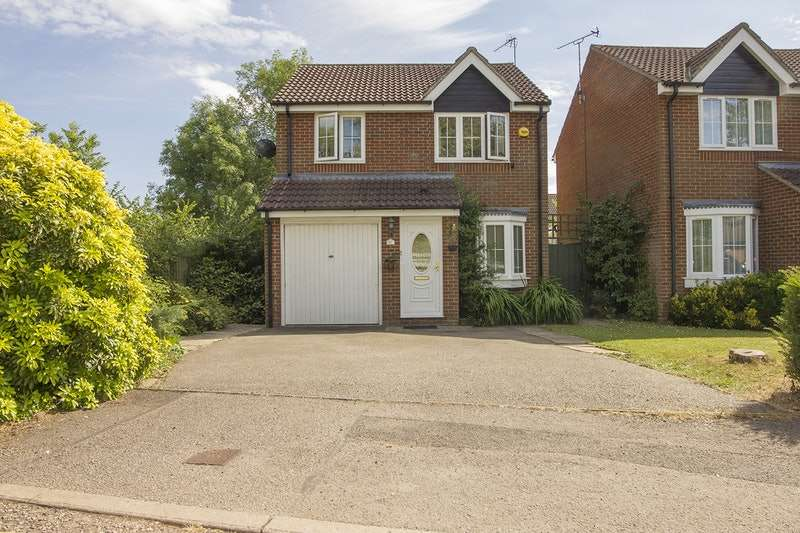 3 Bedrooms Detached House for sale in Digswell Rise, Welwyn Garden City, Hertfordshire, AL8