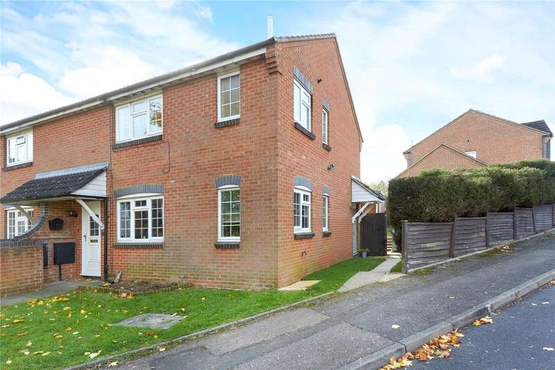 1 Bedroom Mews House for sale in Hunting Gate Drive, Chessington, Surrey, KT9