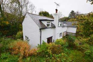 3 Bedrooms Semi Detached House for sale in Phoebes Cottages, Perrymans Lane, Burwash, Etchingham