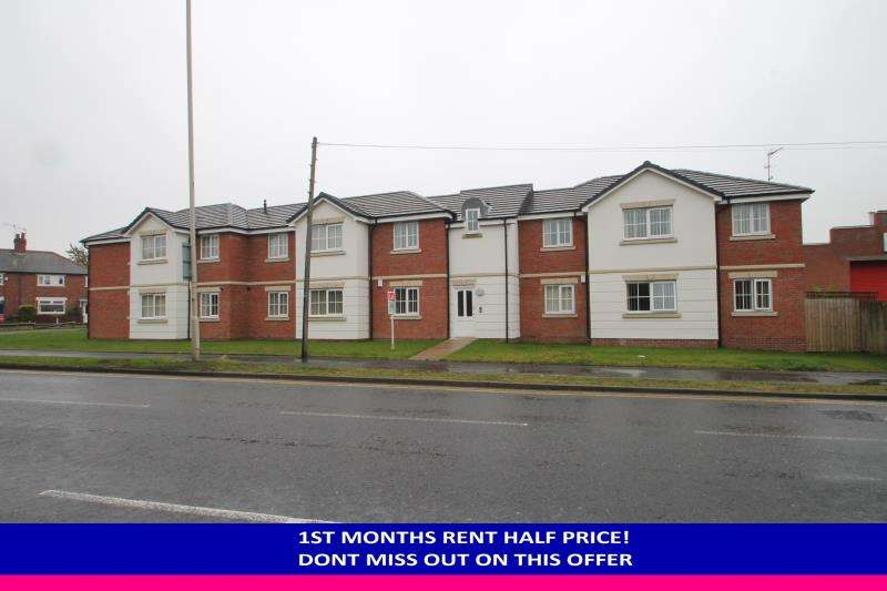 2 Bedrooms Flat for rent in Sanderson Place, Halesowen, West Midlands, B63