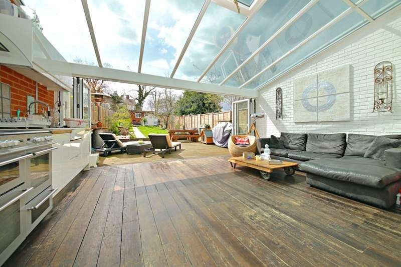 4 Bedrooms Terraced House for sale in Haycroft Gardens, Willesden Junction NW10