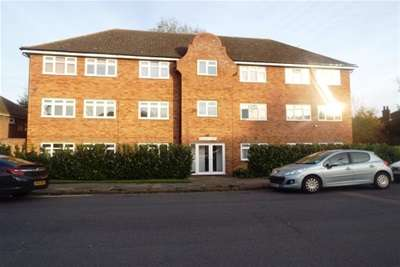 2 Bedrooms Flat for rent in Old Stoke Road
