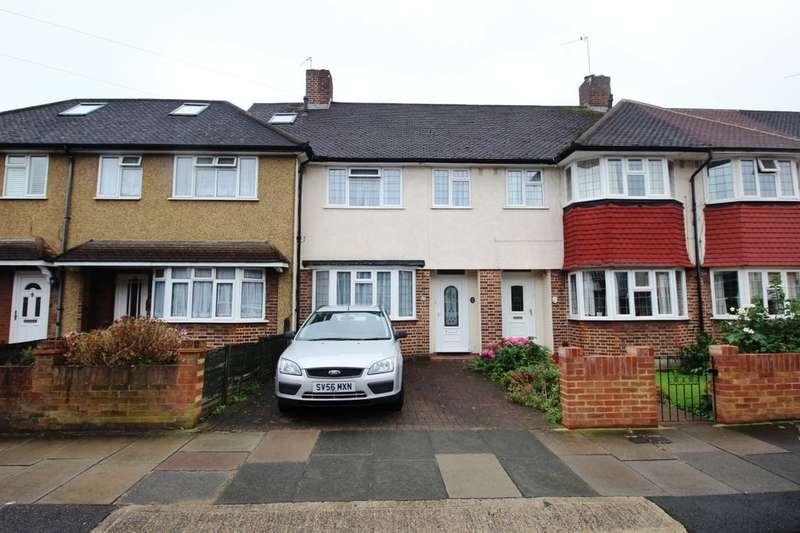 3 Bedrooms Property for rent in Devon Avenue, Twickenham, TW2