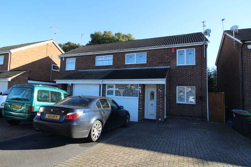 3 Bedrooms Semi Detached House for sale in Christchurch Road, Hucknall, Nottingham, NG15