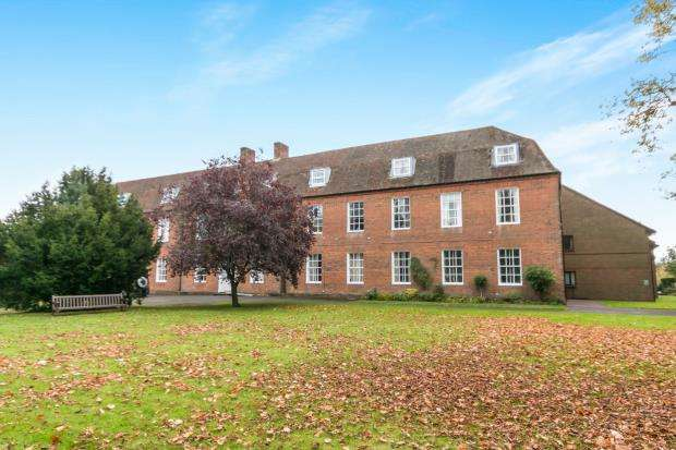 1 Bedroom Flat for sale in 2 Adams Way, Alton, Hampshire