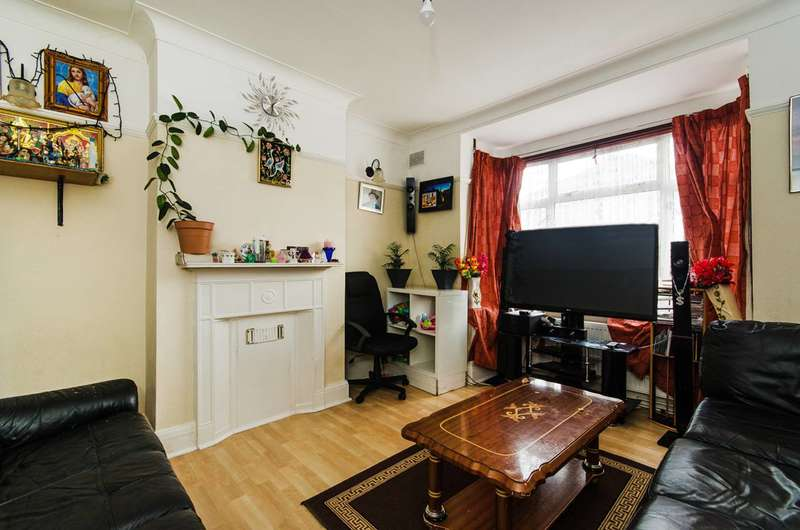 2 Bedrooms Maisonette Flat for sale in Eton Avenue, Wembley, HA0