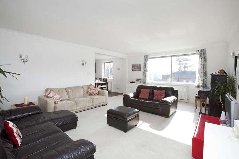 2 Bedrooms Flat for sale in Cambridge Park, East Twickenham