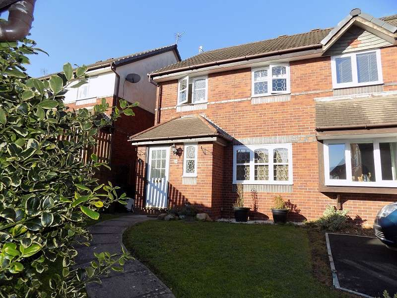 3 Bedrooms Detached House for sale in Rushfield Gardens, Bridgend. CF31 1DE