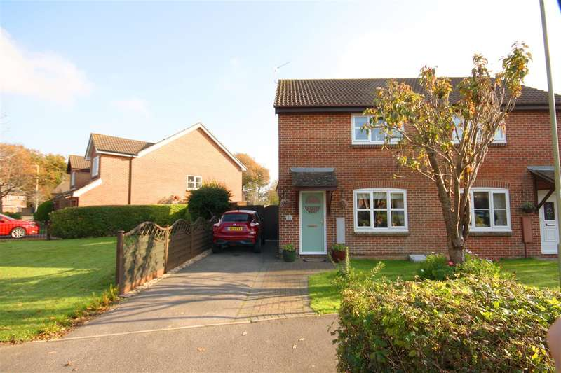 3 Bedrooms Semi Detached House for sale in Lowland Road, Denmead