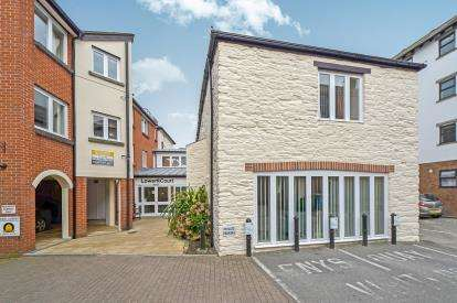 2 Bedrooms Flat for sale in Quay Street, Truro, Cornwall