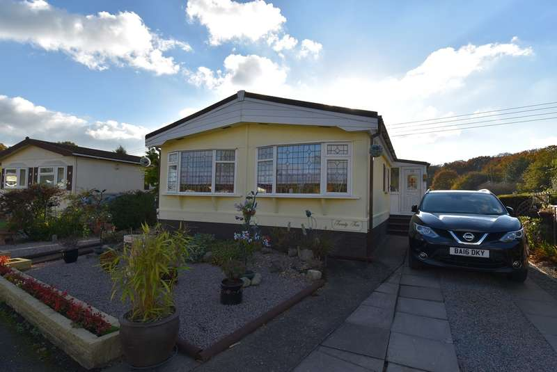 2 Bedrooms Park Home Mobile Home for sale in Juggins Lane, Earlswood, Solihull, B94