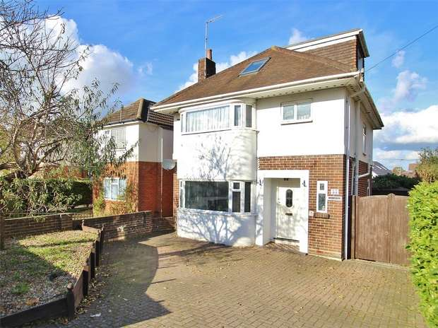 3 Bedrooms Detached House for sale in Dorchester Road, Oakdale, POOLE, Dorset