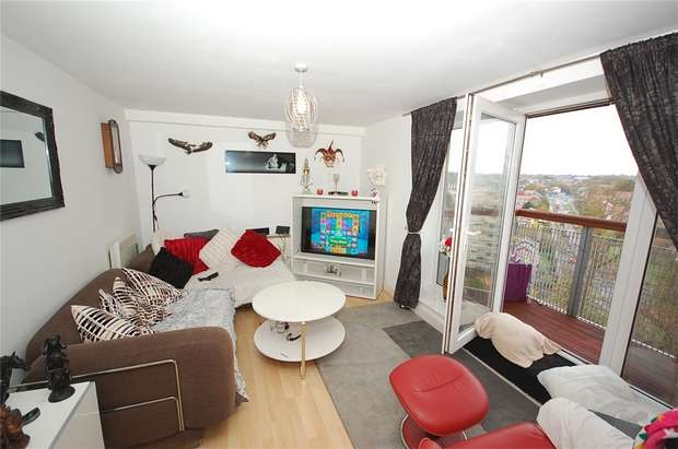 1 Bedroom Flat for sale in 31 Lakeside Rise, MANCHESTER