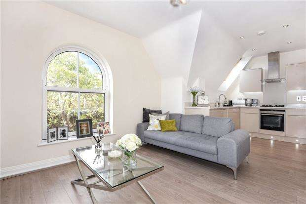 2 Bedrooms Apartment Flat for sale in Greenwich Court, 131 St. Leonards Road, Windsor