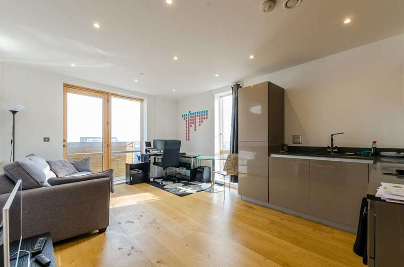 1 Bedroom Flat for sale in Barry Blandford Way, Bow, E3