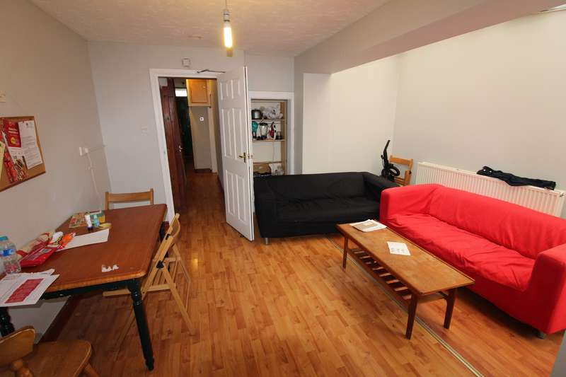 6 Bedrooms Flat for rent in Cranbrook Street, Cathays, Cardiff
