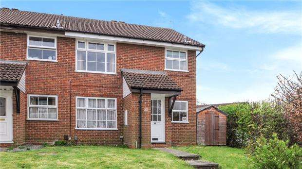 1 Bedroom Maisonette Flat for sale in Armstrong Way, Woodley, Reading