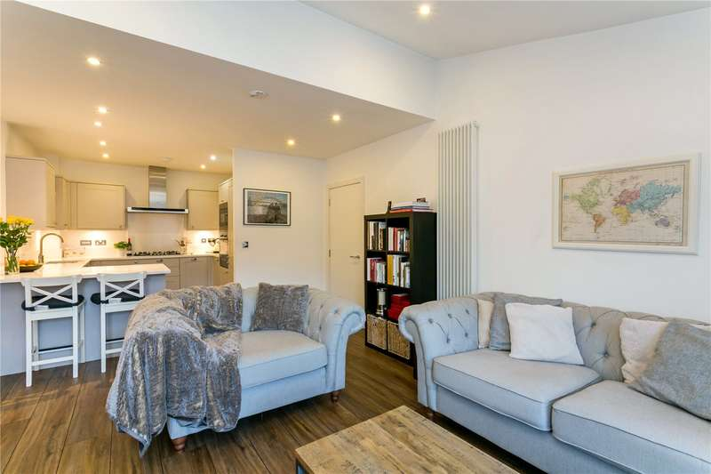 2 Bedrooms Flat for sale in Crown Studios, 141 Station Road, Beaconsfield, HP9