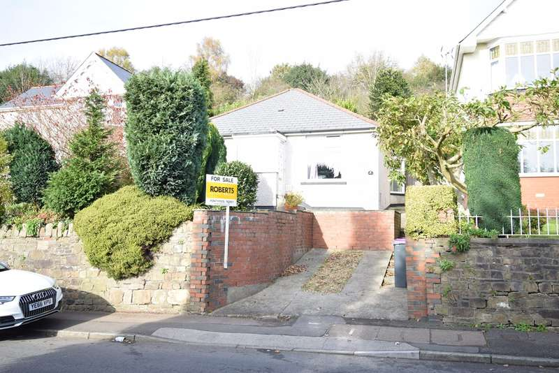 2 Bedrooms Detached Bungalow for sale in Usk Road, Pontypool, NP4
