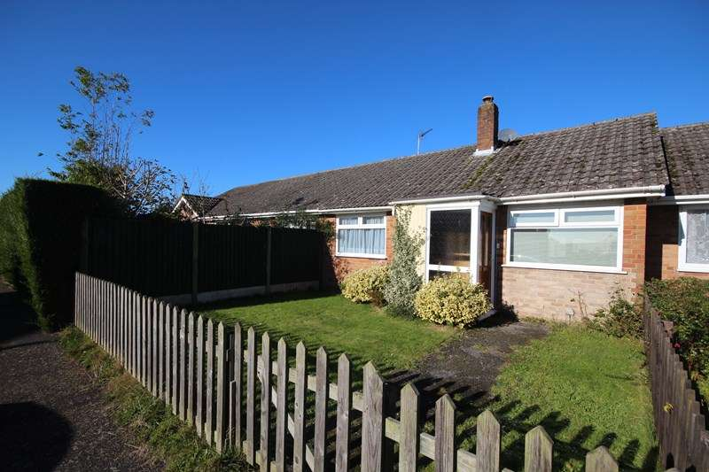 2 Bedrooms Bungalow for sale in Hightown Gardens, Hightown, RINGWOOD