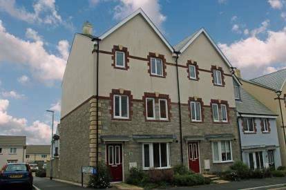 4 Bedrooms Semi Detached House for sale in St. Austell, Cornwall, St. Austell