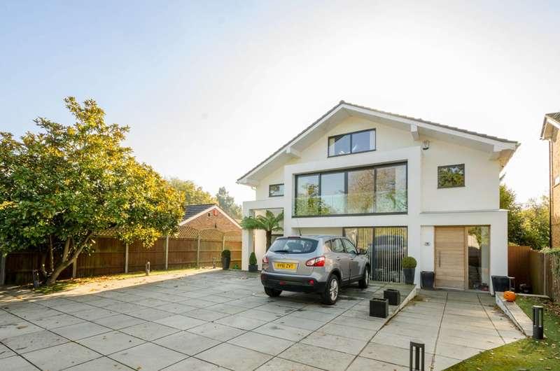 5 Bedrooms House for rent in Barnet Gate Lane, Barnet, EN5