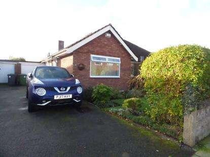 2 Bedrooms Bungalow for sale in Ridgeway Drive, Lydiate, Liverpool, Merseyside, L31