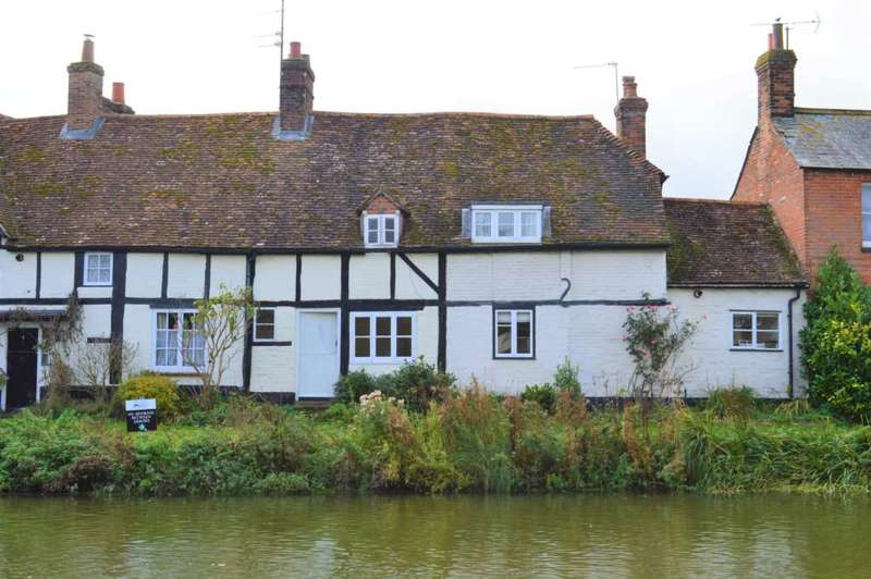 2 Bedrooms Terraced House for rent in Canalside, Hungerford
