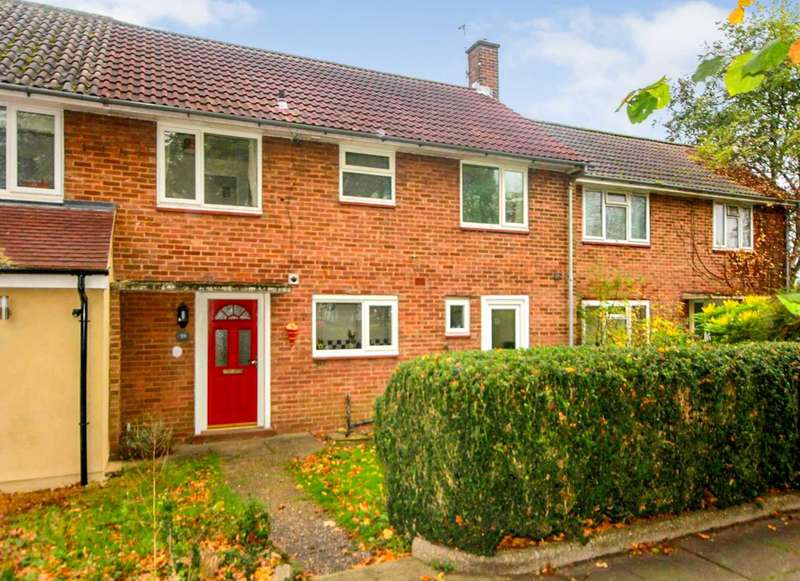 3 Bedrooms Terraced House for sale in SPACIOUS 3 DOUBLE BEDROOM House - SOUTHERLY FACING rear garden. NO UPPER CHAIN - HP2