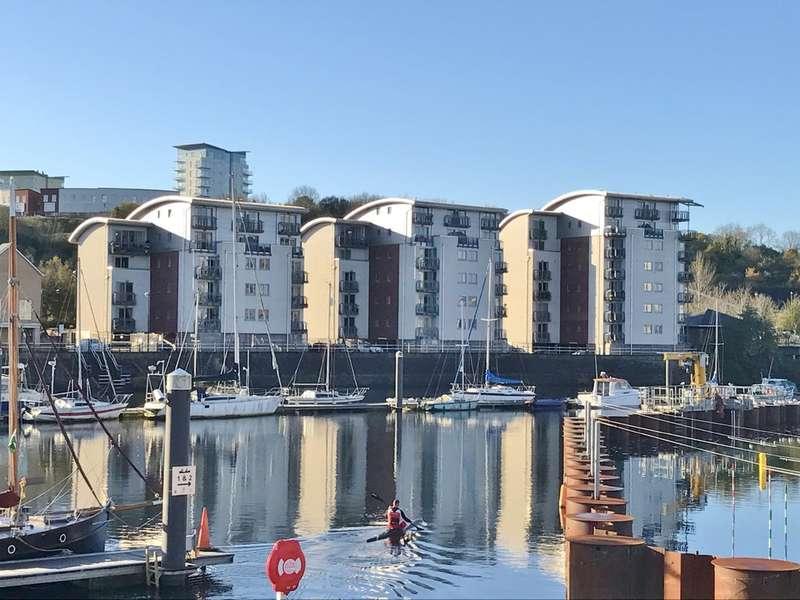 3 Bedrooms Flat for sale in 17 Ty Westonia, Penarth Marina, Penarth. Vale of Glamorgan. CF64 1SJ