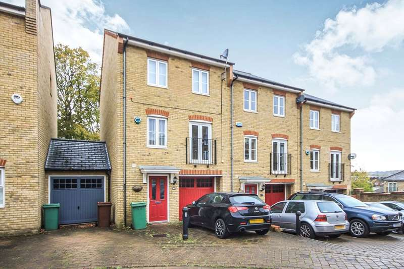 4 Bedrooms Town House for rent in Underwood Rise, Tunbridge Wells
