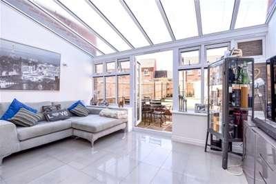 4 Bedrooms House for rent in Ravens Dene, Chislehurst, BR7