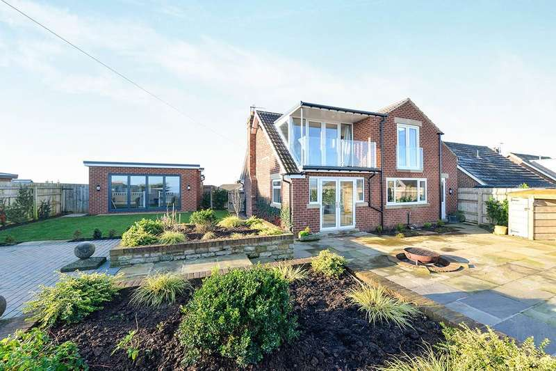 4 Bedrooms Detached House for sale in Osgodby Close, Scarborough, YO11