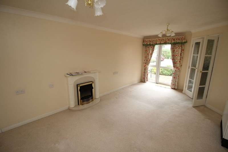1 Bedroom Flat for sale in Hillary Court Freshfield Road, Formby, Liverpool, L37