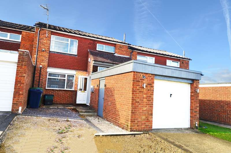 3 Bedrooms Terraced House for sale in Oakwood, Flackwell Heath, HP10