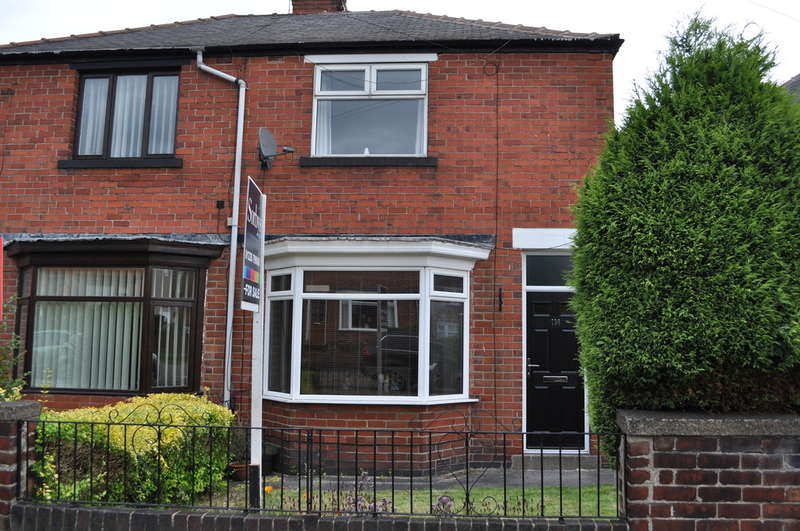 2 Bedrooms Semi Detached House for sale in Handsworth Crescent, Sheffield
