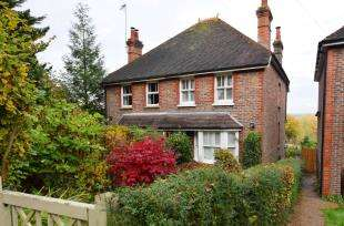 3 Bedrooms Semi Detached House for sale in Little London Road, Horam, Heathfield, East Sussex