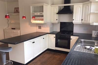 3 Bedrooms Terraced House for rent in Park Grove, Bramley, Rotherham S66