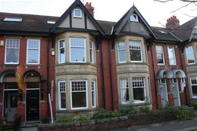 5 Bedrooms Terraced House for rent in The Poplars, Gosforth