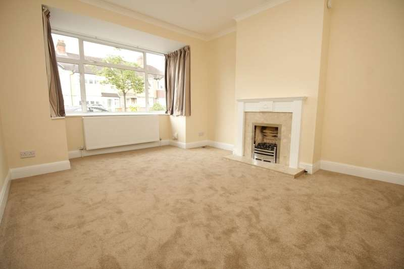 3 Bedrooms Property for rent in Matlock Crescent, Cheam, Sutton, SM3