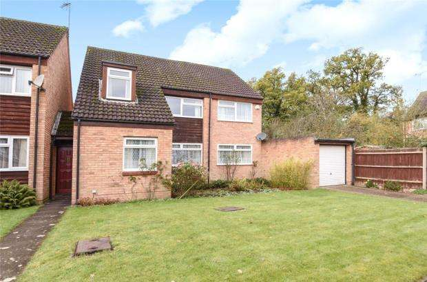 4 Bedrooms Detached House for sale in Sandhills Way, Calcot, Reading