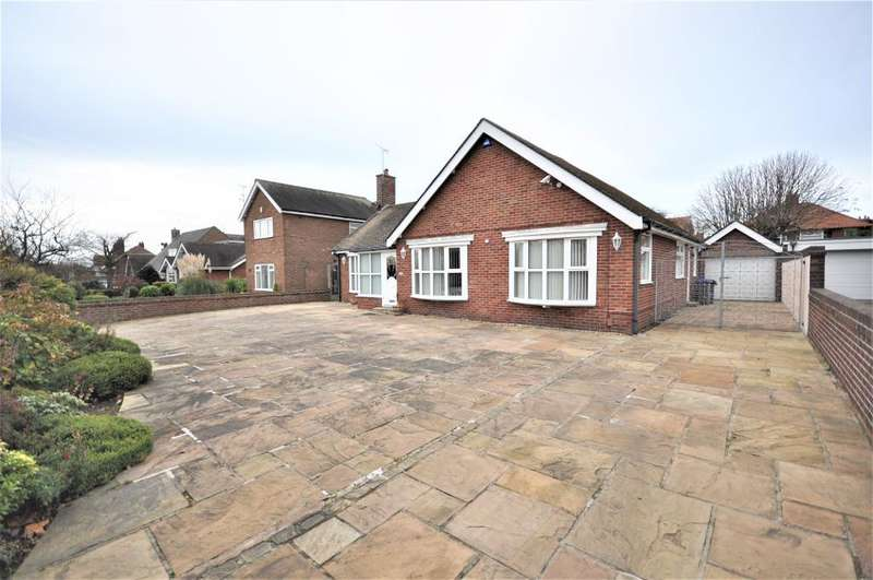 3 Bedrooms Detached Bungalow for sale in Newton Drive, Stanley Park, Blackpool, Lancashire, FY3 8NB